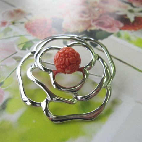 桃珊瑚桜の彫りのカメリアブローチ/SILVER/天然/『宝石サンゴ』