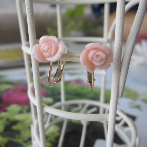 ピンク珊瑚薔薇の花のイヤリング/K18ネジバネ兼用/フォーマル/『宝石サンゴ』