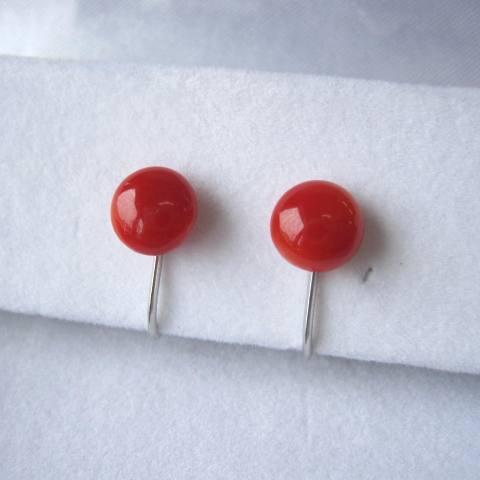 高知産血赤珊瑚のラウンドイヤリング(7.5ミリ)/Pt900/天然/『宝石サンゴ』