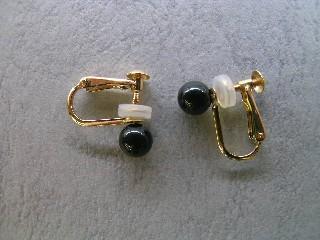 黒珊瑚丸玉のイヤリング(5ミリ)K18/【送料無料】【smtb-KD】