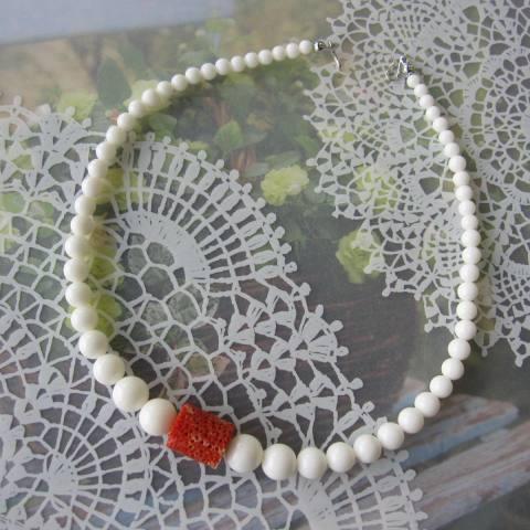 高知産赤珊瑚と白珊瑚のお相撲さんの羽織紐/和小物/『宝石サンゴ』