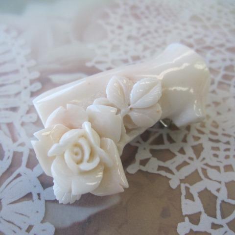 ミッド珊瑚の薔薇の花帯留め/(四分紐)『宝石サンゴ』