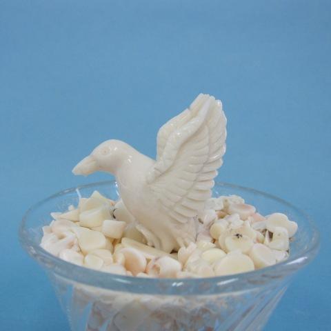 ミッド珊瑚の鳥の置物/バード/『宝石サンゴ』/チップ/コーラル