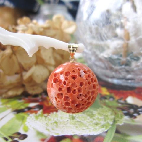 桃珊瑚のす玉ペンダント(20.7ミリ)K18/サンゴ・さんご/送料無料【smtb-KD】