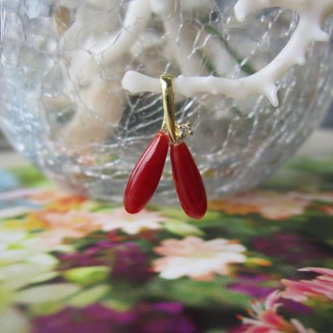 高知産血赤珊瑚のペンダントトップ/K18/ダイヤモンド0.01ct/『宝石サンゴ』