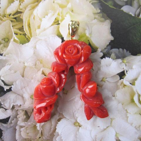 高知産血赤サンゴの薔薇のペンダントトップ/K18/『宝石珊瑚』