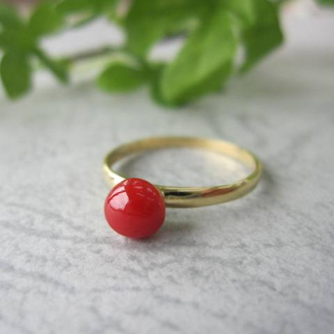 再販 シンプル綺麗なちあかサンゴ 高知産赤珊瑚のラウンドリング 指輪 5.5ミリ 宝石サンゴ K18WG〕 在庫処分 〔K18 or 新品 送料無料