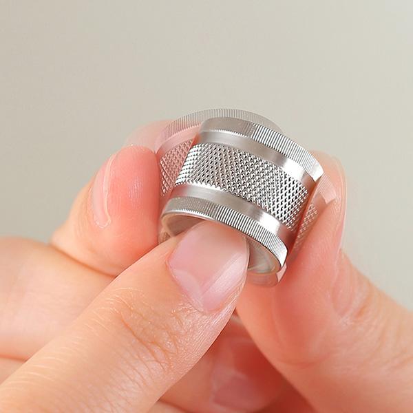 足立工業 刃物の町で作られた すり鉢型爪やすり S-0153