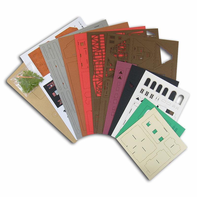 哈尔的移动城堡 ◆ 纸模型工具包/纸模 ◆ 火车模型 N-gage 启用 [精心制作建筑模型]
