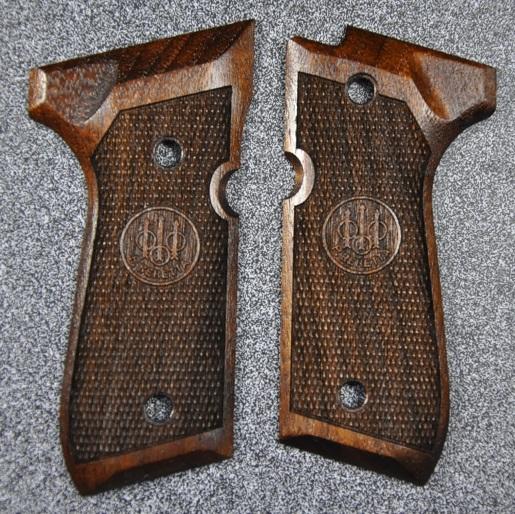 MULE CAW グリップ ロゴ付き 東京マルイ M9A1ガスガン用 ウォールナット 2883dxroeCB