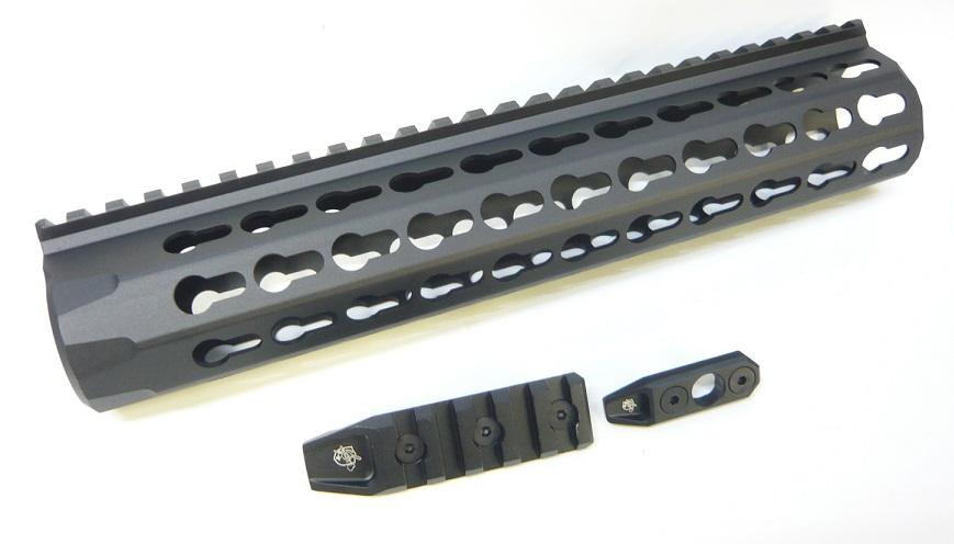 IRON Knight's URX4 10inchタイプ KEYMOD レールハンドガード Black PTW/GBB用 IRON-1305F-11000-WOE