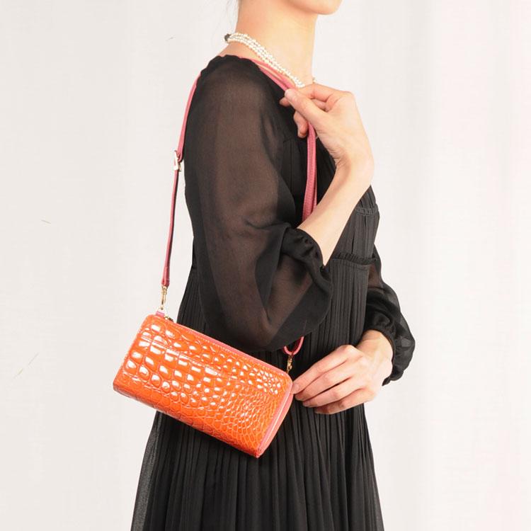 クロコダイルの多機能型バッグで財布のようにもお使いいただけるのでコレひとつでお出掛けできます お財布ポシェット 母 女性  サブバッグ (06000379r) プレゼント クリスマス ギフト 【10%OFFクーポン対象商品】クロコダイル ショルダーバッグ レディース お財布ポシェット 本革 革 小さめ シャイニング加工 ヘンローン ポシェット 財布 女性用 ギフト  母 女性 プレゼント クリスマス ギフト