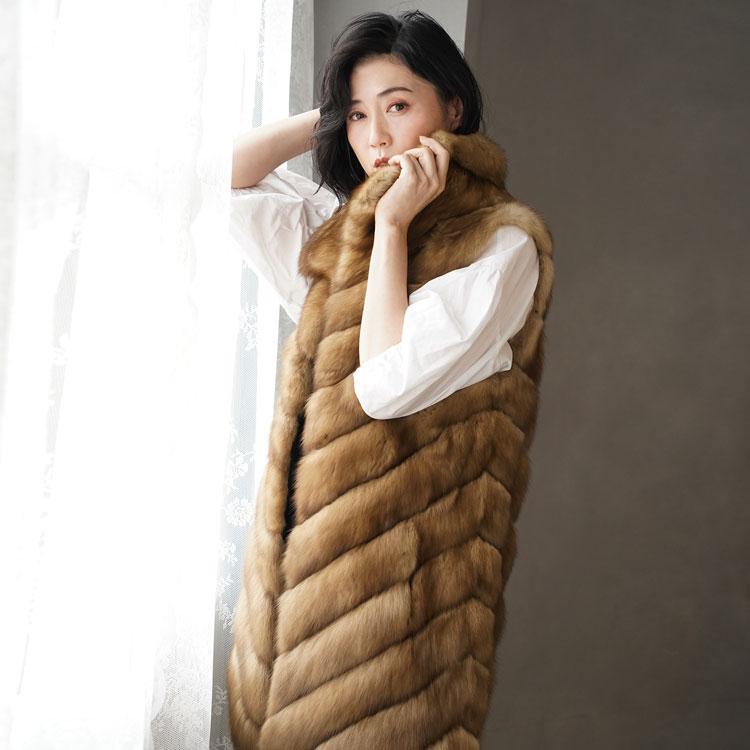 ロシアンセーブル ロング ベスト レディース フリーサイズ 毛皮の王様ロシアンセーブルの贅沢で存在感あふれるファーベスト。テン 高級 本物 ギフト プレゼント ギフト (No.01000398r)