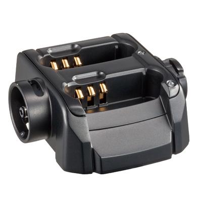 最大5台まで連結して一度に充電できます 対応機種:SR100A SR70A SR100 SR70 CL70A CL120A 祝開店大放出セール開催中 《SBH-26》 スタンダードホライゾン ストアー 連結型充電器 八重洲無線 特定小電力無線機用 SAD-50Aと一緒に使用 5台まで連結可能 YAESU