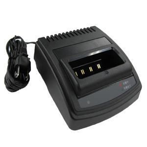 【送料無料】《CSA824B》(スタンダード/シングル急速充電器)特定小電力無線機用
