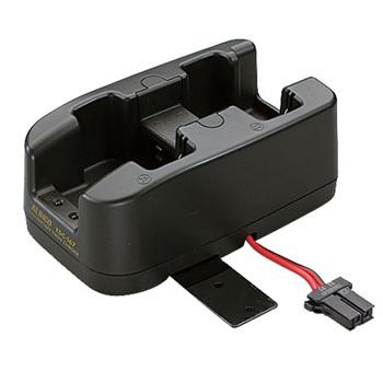 年中無休 アルインコ特定小電力無線機用の充電器 別売のACアダプタ EDC-162 と一緒にご使用ください 対応機種:DJ-P24 DJ-P25 DJ-R100D 《EDC-167R》 ACアダプター別売 秀逸 DJ-R200D 最大4個まで連結可 特定小電力無線機 DJ-P300用 ツイン充電スタンド アルインコ DJ-P24