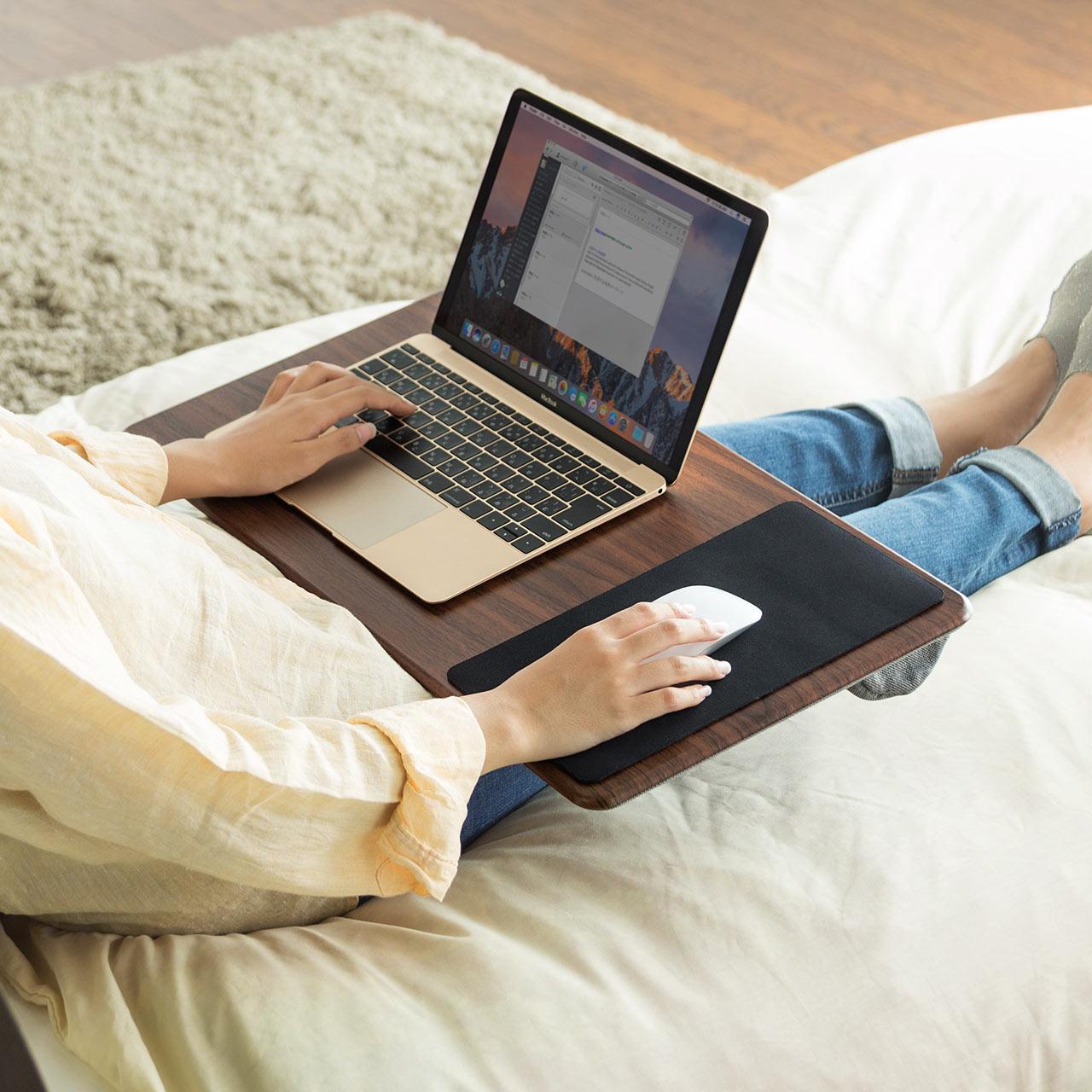 ひざ上 ひざのせ クッションテーブル ラップトップテーブル ノートPC台 膝上テーブル 予約販売品 木目調 ノートパソコン タブレット 直送商品 200-hus007 マウスパッド付き 幅57cm