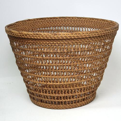 アタとラタン 透かし編み バスケット Mサイズ【メール便不可】
