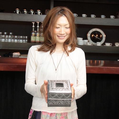 カフェやご自宅用に アルミ製 休み トイレットペーパーボックス アルミアートがどんなお部屋にも馴染みやすいティッシュBOX 供え 宅急便のみ