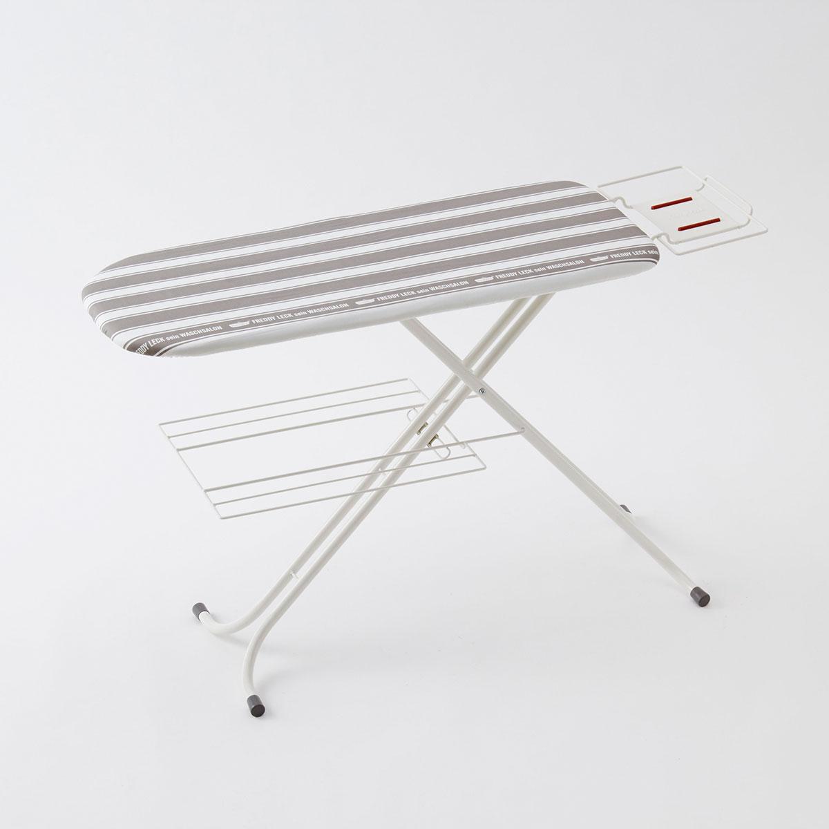 [フレディレック/Freddy Leck アイロニングボードスタンドタイプ]|フレディレックのシンプルでおしゃれなアイロン台は高さが9段階で調節できるので立ったままでも、座っても使えます。