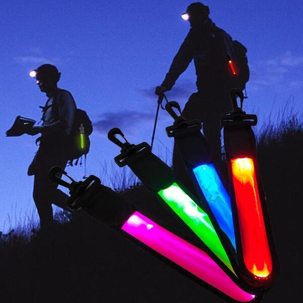 ネコポス送料無料 3パターンに光る 格安店 リュックや鞄に吊り下げるクリップ式 選べる2カラー 5色 LEDライト セフティーライト 高輝度LED搭載 反射バンド リュック 鞄 ランドセルに吊り下げる ナイトラン 自転車 サイクルライト 防災 通勤 夜間 アウトドア 点灯 キャンプ 点滅 登山 ペット 散歩 災害 夜道 通学 ハイキング お得 ジョギング 子供の安全