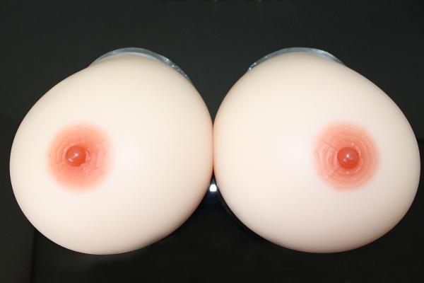 人工乳房 左右で8200g シリコンバスト シリコン製バスト 高級人工乳房 シリコンおっぱい 女装 【乳がん】超軟らかめにつくり手触りがよりリアルになりました! by8200