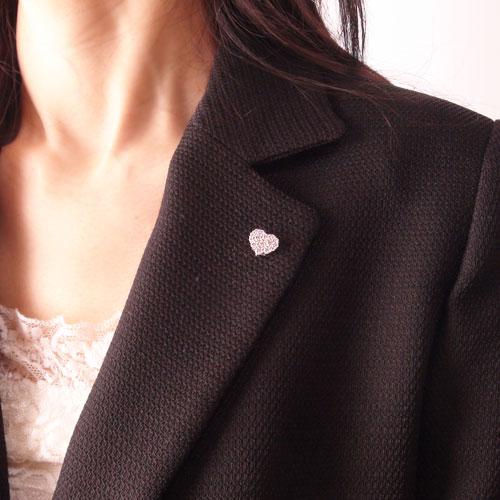 K18WG ホワイトゴールド ダイヤ ラペルピン ピンバッジ ピンブローチ ブローチ ハート モチーフ 4月誕生石Tc3KFl1J