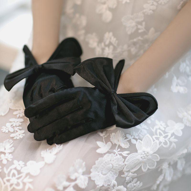 ウエディンググローブ ウェディンググローブ グローブ 海外ウエディング パーティー 結婚式 刺繍 花嫁 手袋 ブライダル お歳暮 ショート glove ブラック 可愛い 優雅 パーティー手袋 撮影道具 上品 蝶結び 人気ブレゼント 二次会 透け感 挙式