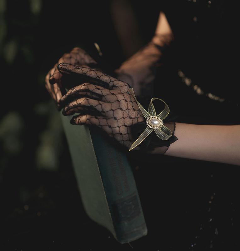 ウエディンググローブ ウェディンググローブ グローブ 海外ウエディング パーティー お歳暮 結婚式 驚きの値段 刺繍 花嫁 手袋 ブライダル ショート パール 撮影道具 二次会 パーティー手袋 ブラック 透け感 ウェディング 可愛い 優雅 挙式 蝶結び glove 上品