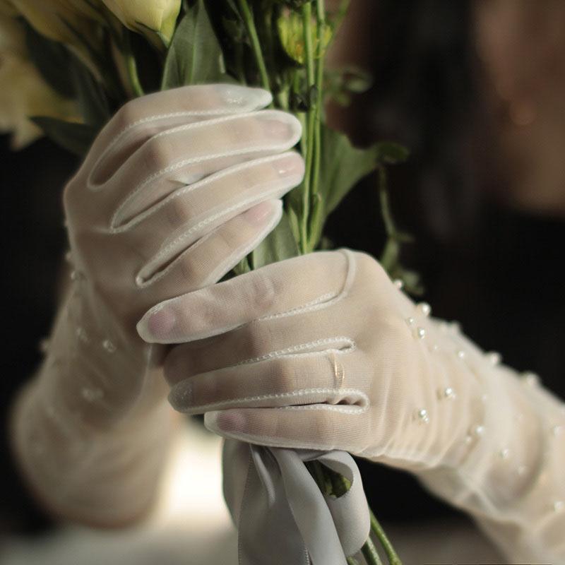 ウエディンググローブ ウェディンググローブ グローブ 安売り 海外ウエディング パーティー 結婚式 刺繍 花嫁 手袋 ウェディング ロング ブライダル 挙式 《週末限定タイムセール》 撮影道具 写真を撮る パール 小物 二次会 高級 上品 ウエディングドレス 優雅 前撮り