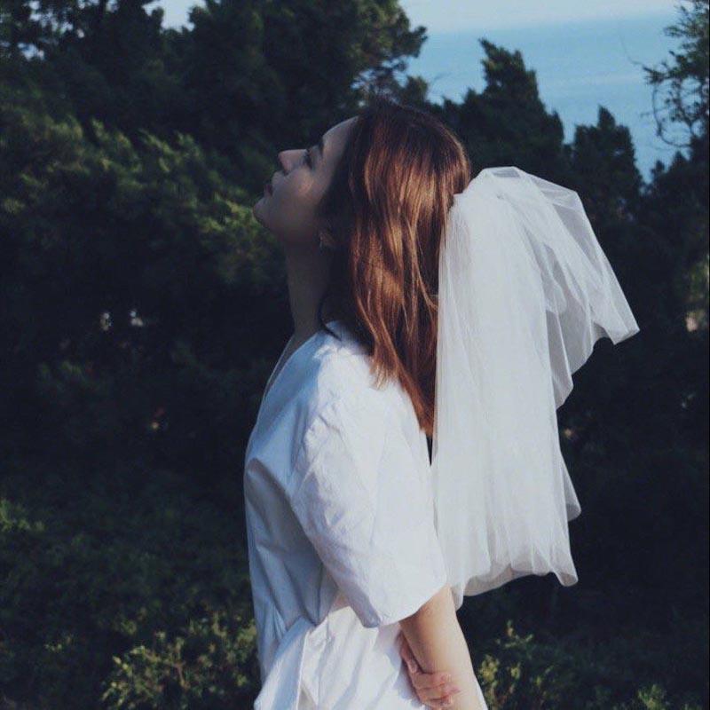 ウェディングベール 海外ウエディング 結婚式 通常便なら送料無料 フェイスアップ ショート ベール 二重ベール ロングベール ベールダウン ブライダル ヴェール 挙式 個性的 立体感 純白 ベールアップ 森系 海外撮影 若者大人気 フワフワ ショートヘアー カワイ系 好評受付中 シンプル 旅行結婚 ショートベール 可愛い コスプレ
