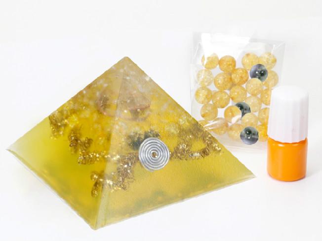 オリジナルのオルゴナイトを簡単に作成できるキット オルゴナイトキット イエロー キット 祝開店大放出セール開催中 ピラミッド型 毎週更新 オルゴナイト パワースポット パワーストーン 送料無料 天然石 手作り オルゴンエネルギー 浄化 オリジナル Crystal Mind