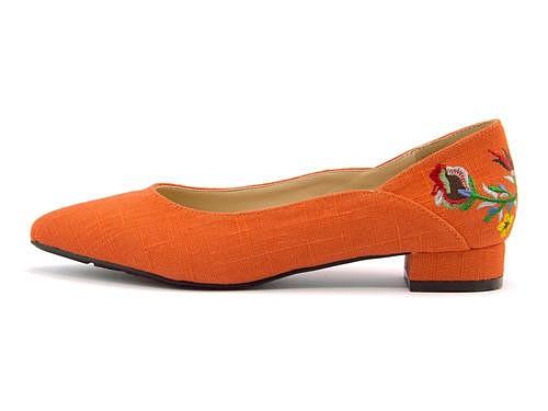 パンプス 痛くない ローヒール 歩きやすい 疲れない レディース 刺繍 ポインテッドトゥ クッション性 美脚 カジュアル デイリー トレンド フェミニンカフェ Feminine Cafe 1946 オレンジ