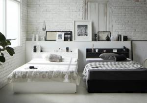 棚 コンセント付き収納すのこベッド セミダブル 待望 予約販売 プレミアムポケットコイルマットレス付き