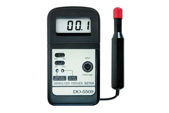 DO-5509 デジタル溶存酸素計 スイッチ1つで 溶存酸素の計測が可能 学校教材に最適 ポーラログラフ式センサ採用 水フィルターのチェックに