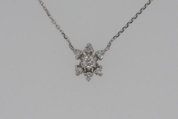 【即納】プレゼントに最適WGダイヤプチネックレス