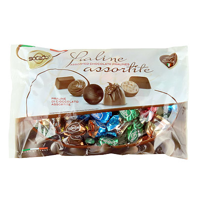 定番のミルク ダークは勿論 シリアルやナッツの入ったチョコレートも楽しめるアソートプラリネチョコレートです ソカド プラリネアソートチョコ 500g AL完売しました。 ショッピング