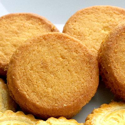 伝統的なシンプルなレシピで作っています。着色料・保存料不使用。バター24%使用。 ガヴォット パレ 125g