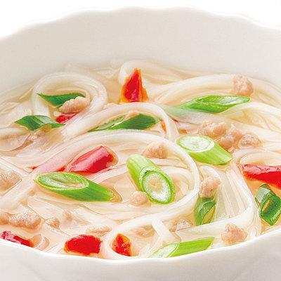 ビーフの旨みとコクのあるスープに、香辛料を加えて芳醇なスープに仕上げました。化学調味料不使 成城石井 スープ&フォー ベトナム風 5食入
