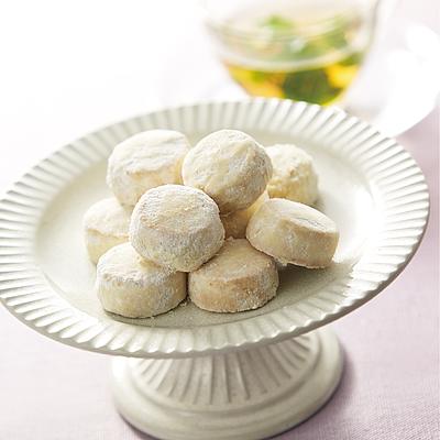 限定価格セール たっぷり使ったバターの風味とやさしい和三盆糖の甘さが特徴 未使用品 成城石井desica 和三盆ポルボローネ 120g