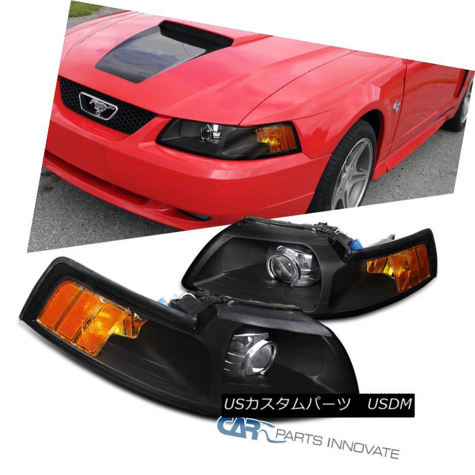 ヘッドライト 99-04 Ford Mustang Black Retrofit Style Projector Headlights Head Lamps Pair 99-04 Ford Mustangブラックレトロフィットスタイルプロジェクターヘッドライトヘッドランプペア