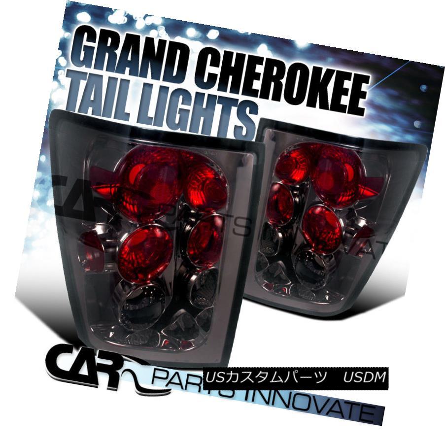 テールライト Jeep 05-06 Grand Cherokee Tail Lights Brake Rear Lamp Altezza Smoke ジープ05-06グランドチェロキーテールライトブレーキリアライトAltezza Smoke