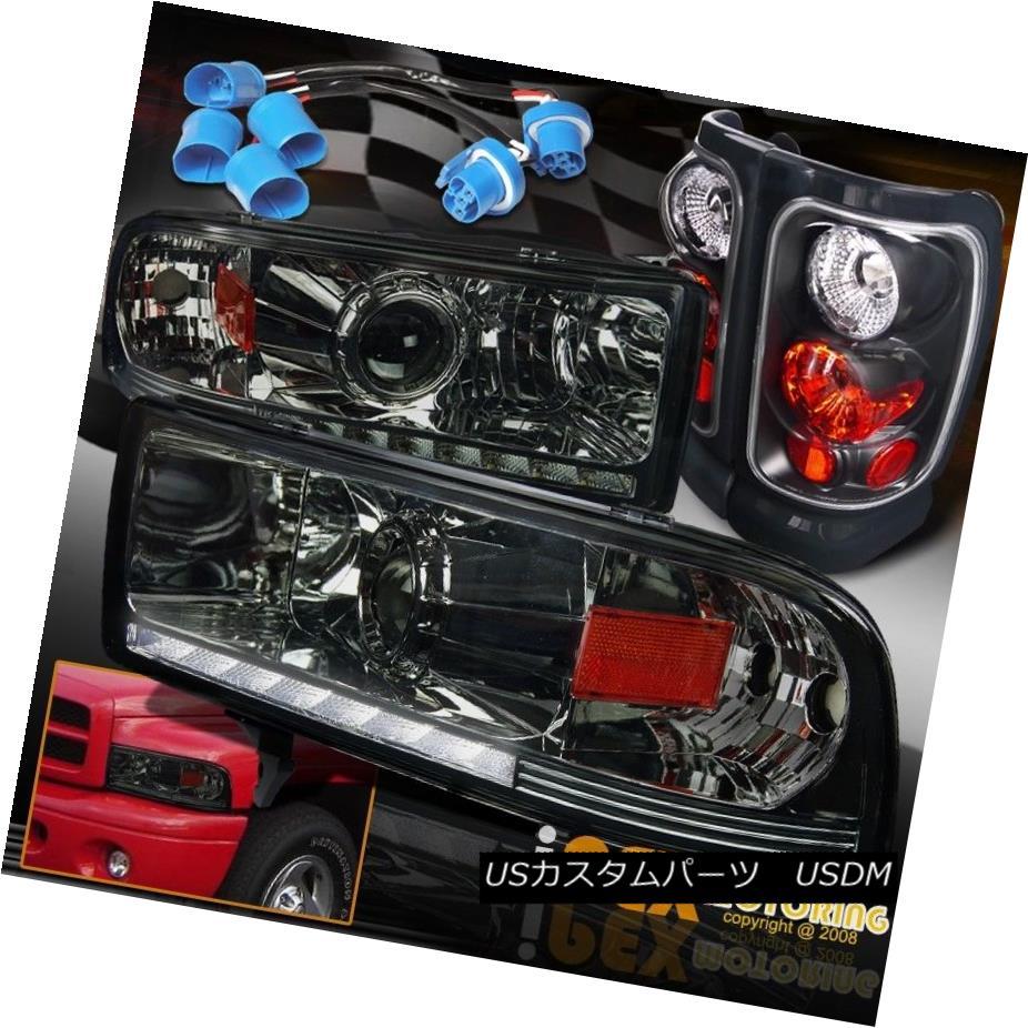 テールライト 97-01 Dodge Ram