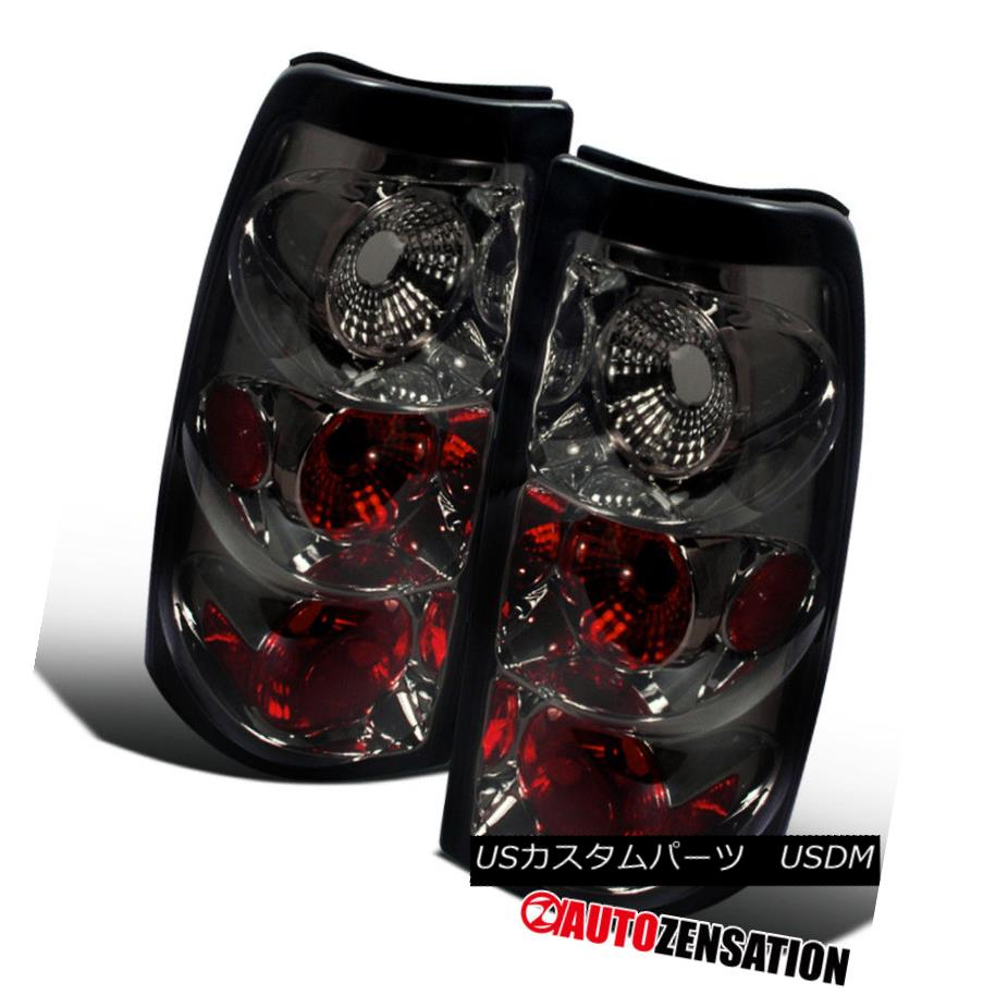 テールライト 03-06 Chevy Silverado Smoke Altezza Tail Lights Rear Brake Lamps 03-06 Chevy Silverado Smoke Altezzaテールライトリアブレーキランプ