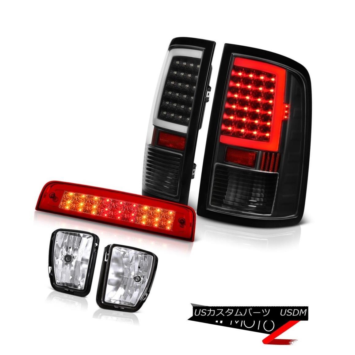 テールライト 13-18 Dodge RAM 1500 Raven Black Tail Lamps Wine Red Brake Lights Fog Assembly 13-18 Dodge RAM 1500 Raven BlackテールランプワインレッドブレーキライトFog Assembly