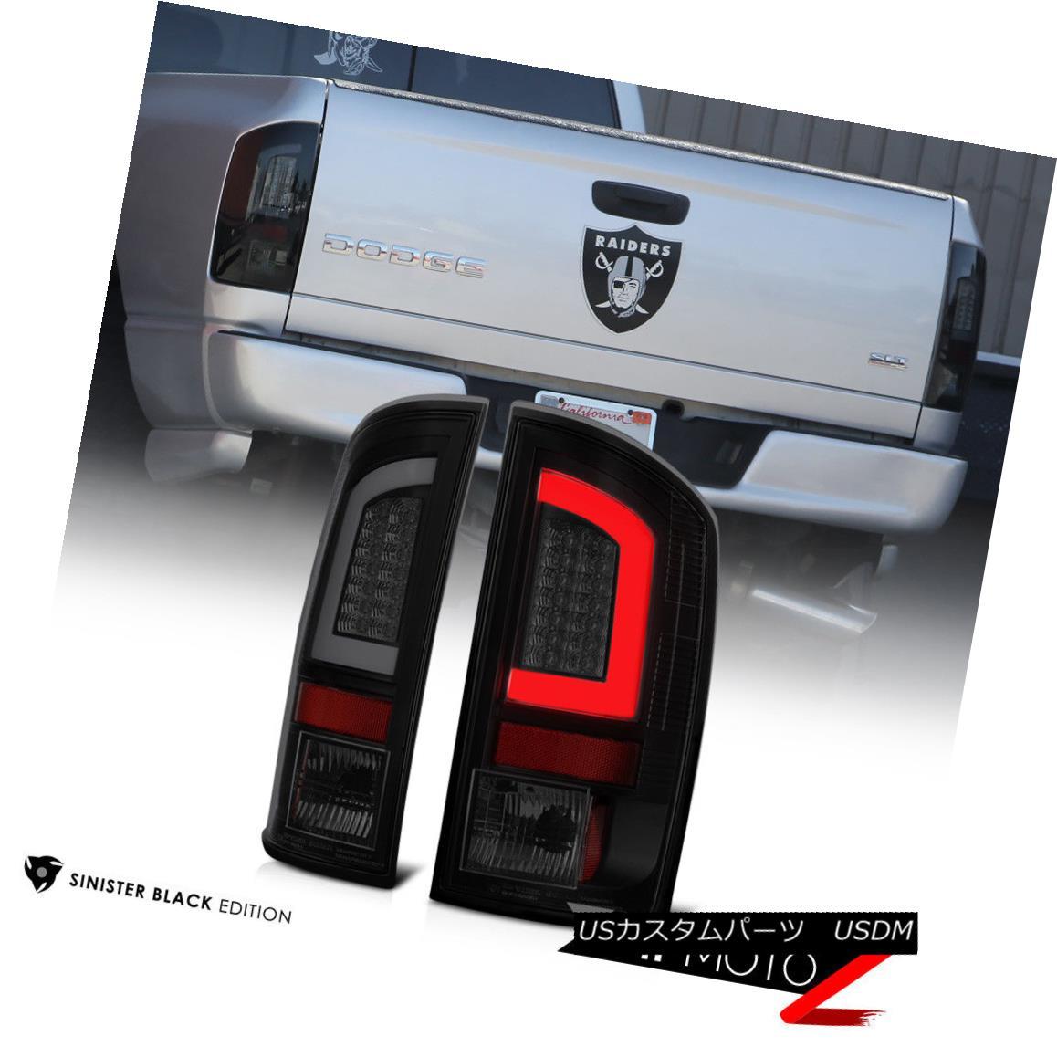 テールライト 02-06 Dodge Ram Black Housing Smoked Lens LED Bar Brake Signal Lamp Tail Light 02-06ダッジラムブラックハウジングスモークレンズLEDバーブレーキ信号ランプテールライト