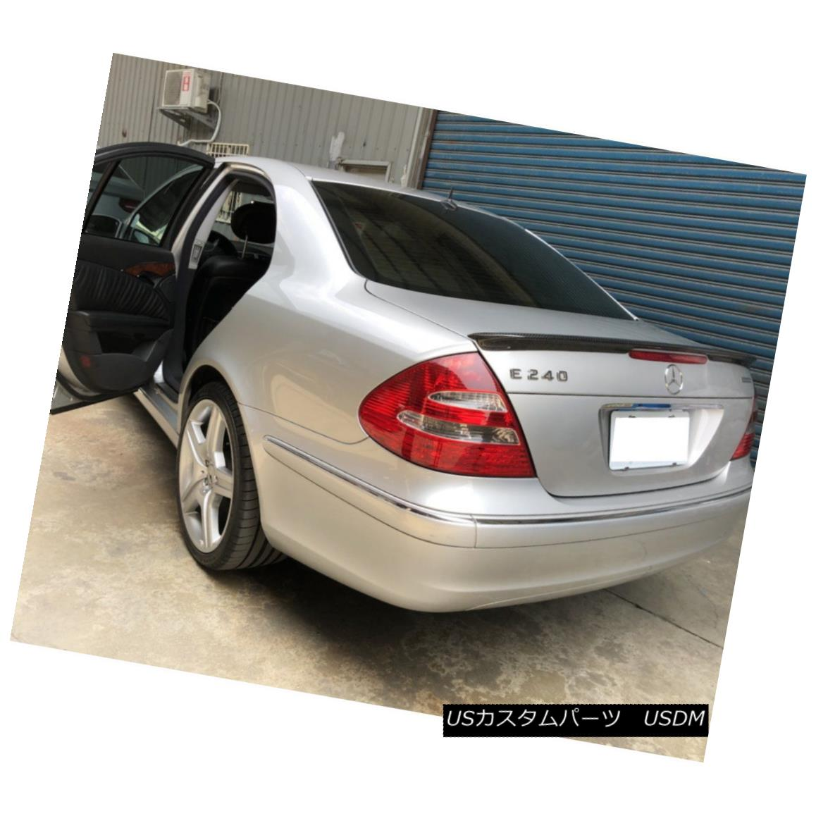 エアロパーツ A Look Carbon Fiber Trunk Spoiler Wing For Mercedes Benz W211 Sedan E350 E500 メルセデスベンツW211セダンE350 E500用ルックカーボンファイバートランク・スポイラーウィング