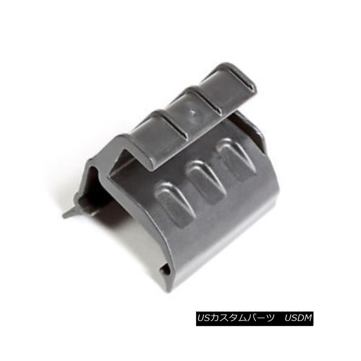 幌・ソフトトップ Soft Top Retainer Bracket, Rear, Right; 07-18 Jeep Wrangler JK ソフトトップリテーナブラケット、リア、右; 07-18ジープラングラーJK