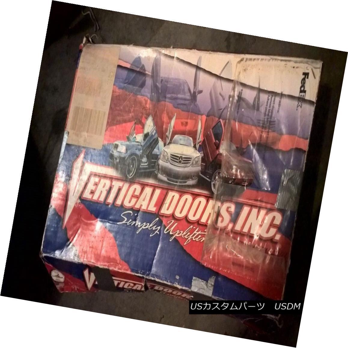 ガルウィングキット 2005 GMC Sierra Vertical Doors, Inc. Vertical Door Package 2005 GMC Sierra垂直ドア、Inc.垂直ドアパッケージ