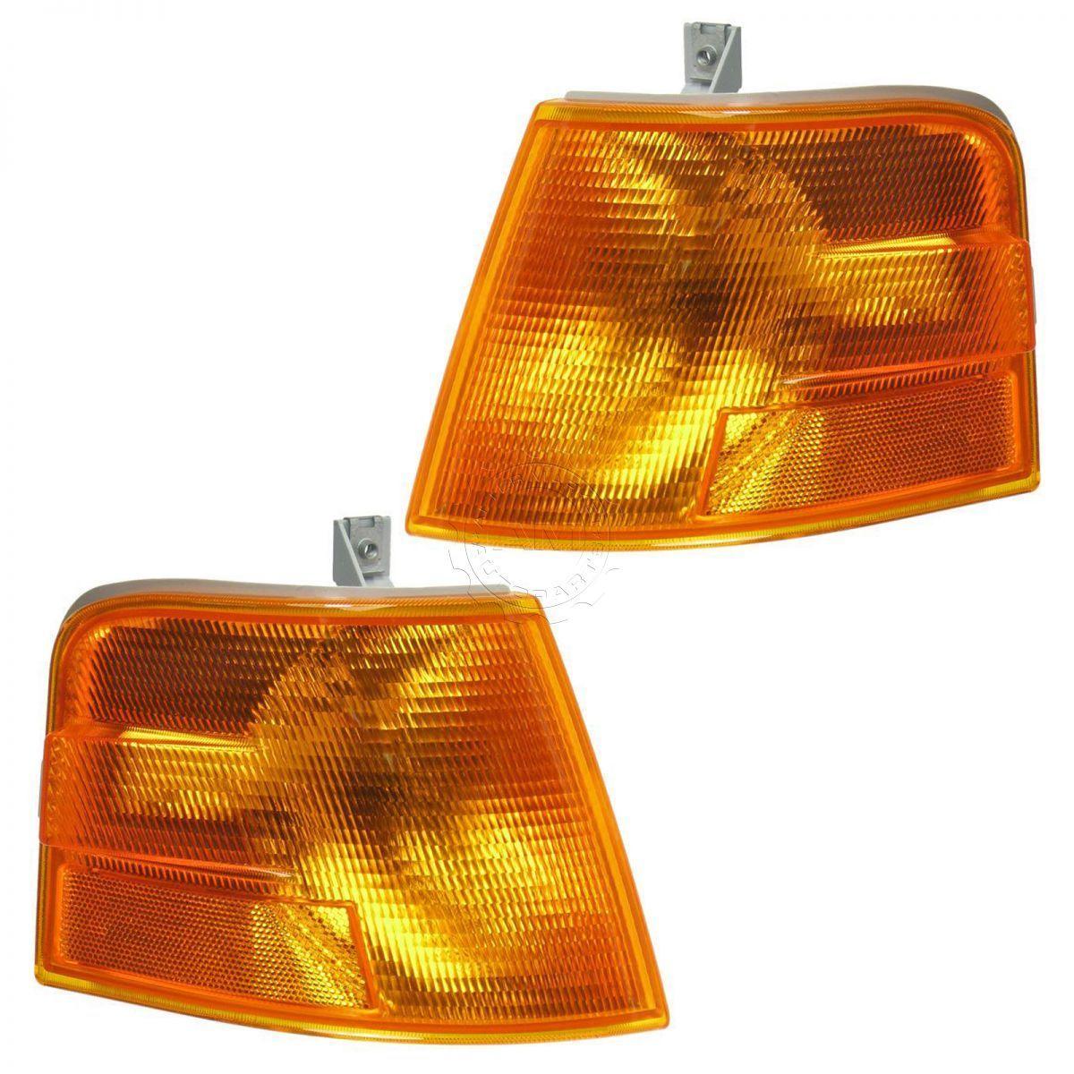 コーナーライト Marker Signal Blinker Corner Parking Light Lamp Pair Set for 96-03 Volvo VNL VNM マーカー信号ブリンカコーナパーキングライトランプペアは、96-03 Volvo VNL VNM用に設定されています